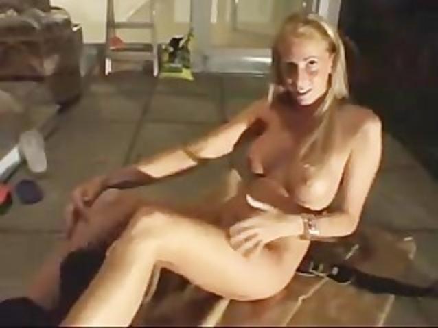 Orgasme de MILF blonde refaite
